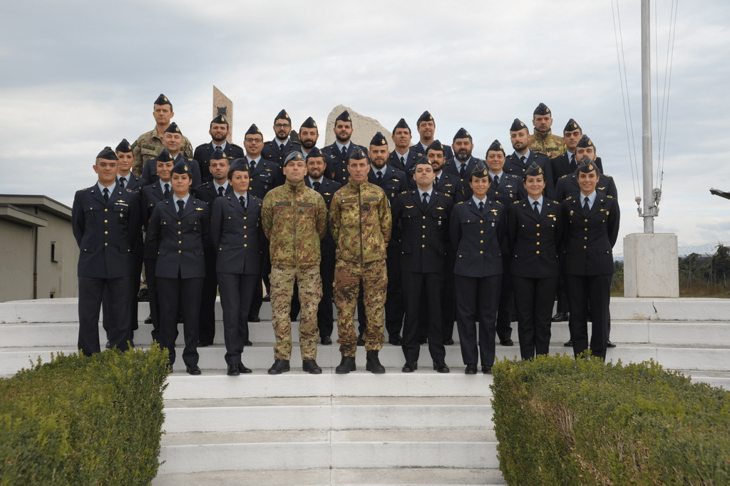 L'aeronautica militare incontra Greentire